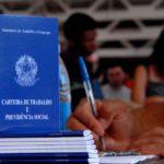 País cria 70,8 mil empregos formais em outubro; contratações superam demissões pelo 7º mês